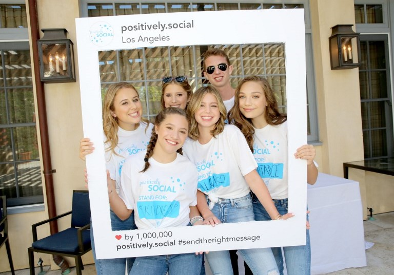 US - POSITIVELY - SOCIAL - LAUNCH - EVENT